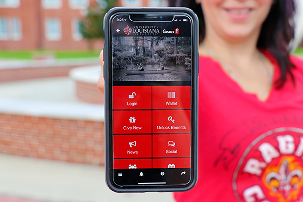 The home screen of GeauxU and quick access to your digital wallet, including your Loylaty Fund member card.